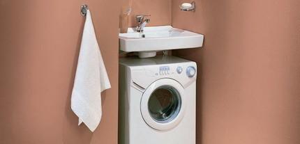 Раковина над стиральной машиной - просто и практично