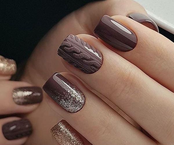 Шоколадный осенний маникюр фото 8