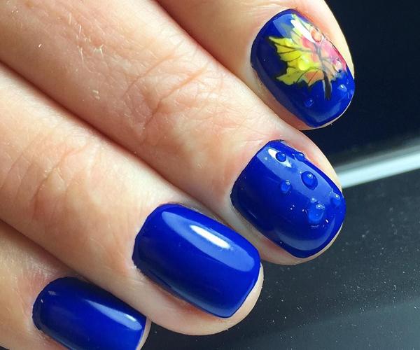 Синий осенний маникюр фото 5