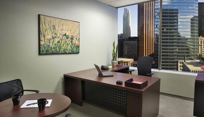 Картина в офисе