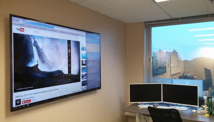 Плазменный телевизор в офисе