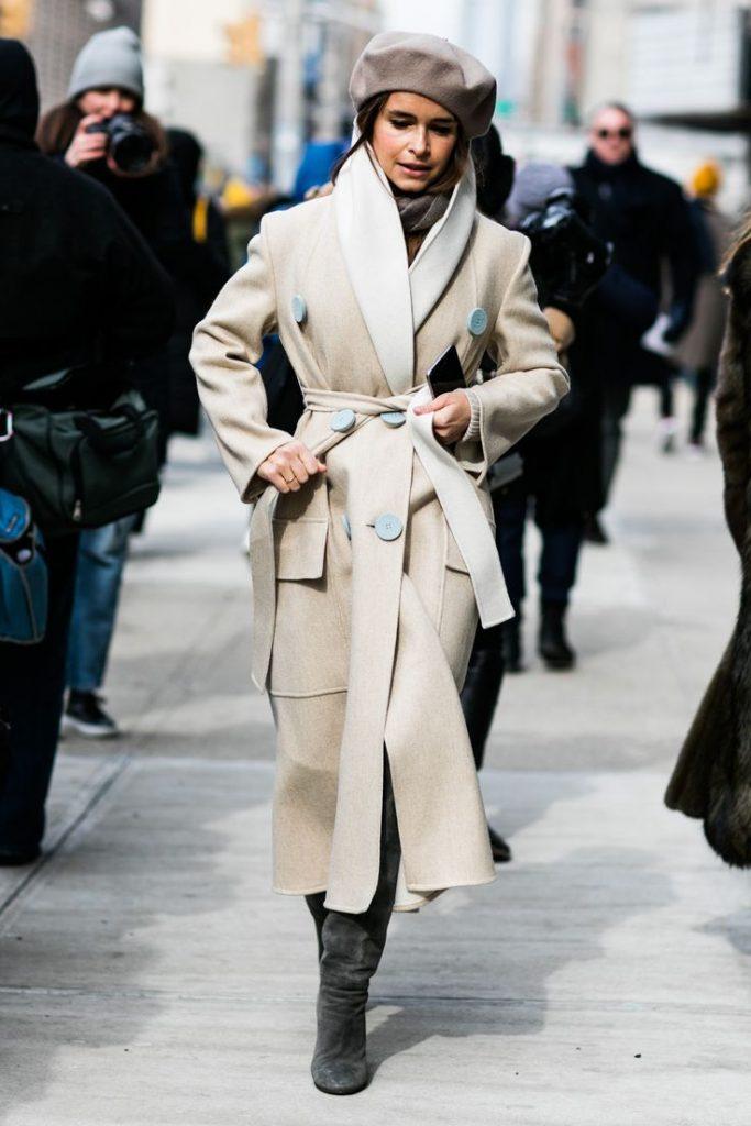 Берет с пальто-халатом фото 1
