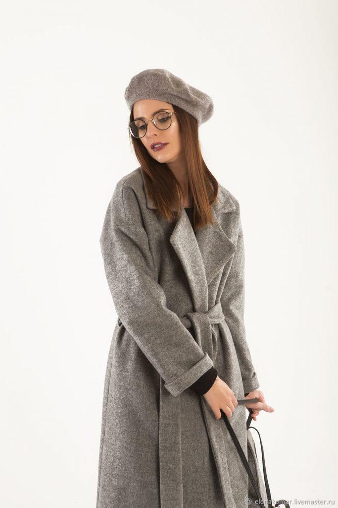 Берет с пальто-халатом фото