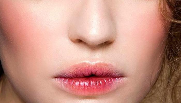 Эффект потрескавшихся губ