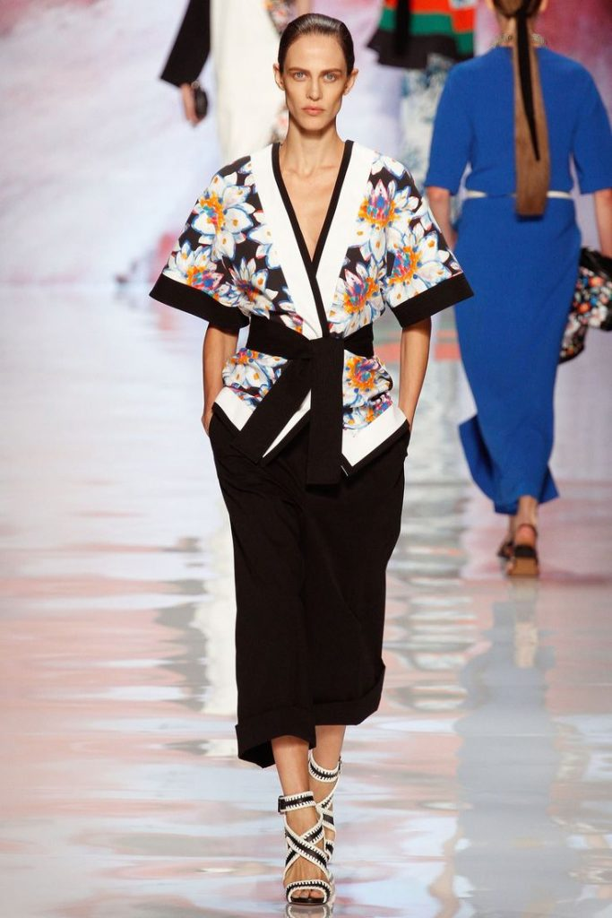 Костюм с жакетом а-ля кимоно, вариант 6