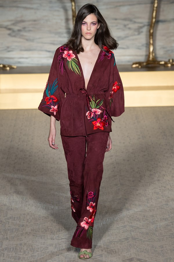 Костюм с жакетом а-ля кимоно, вариант 10