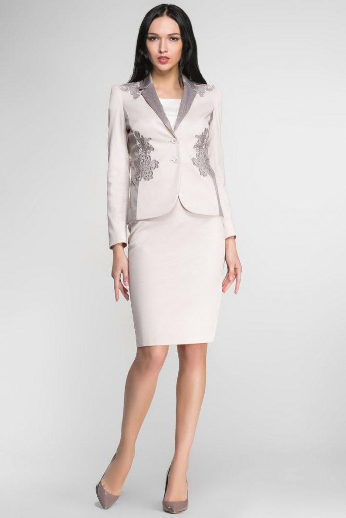 Летний вариант, состоящий из пиджака и юбки, вариант 3