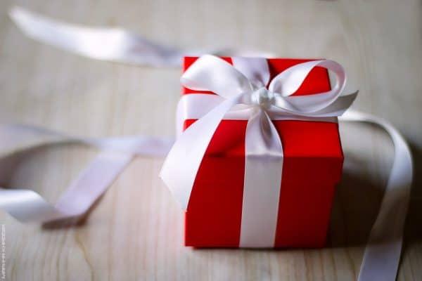 Подарок девушке на 18 лет