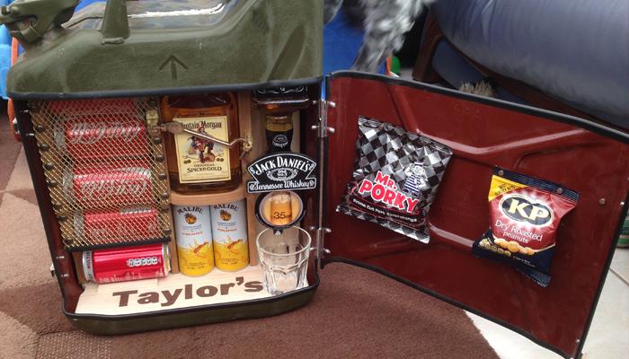 Портативный бар с алкоголем